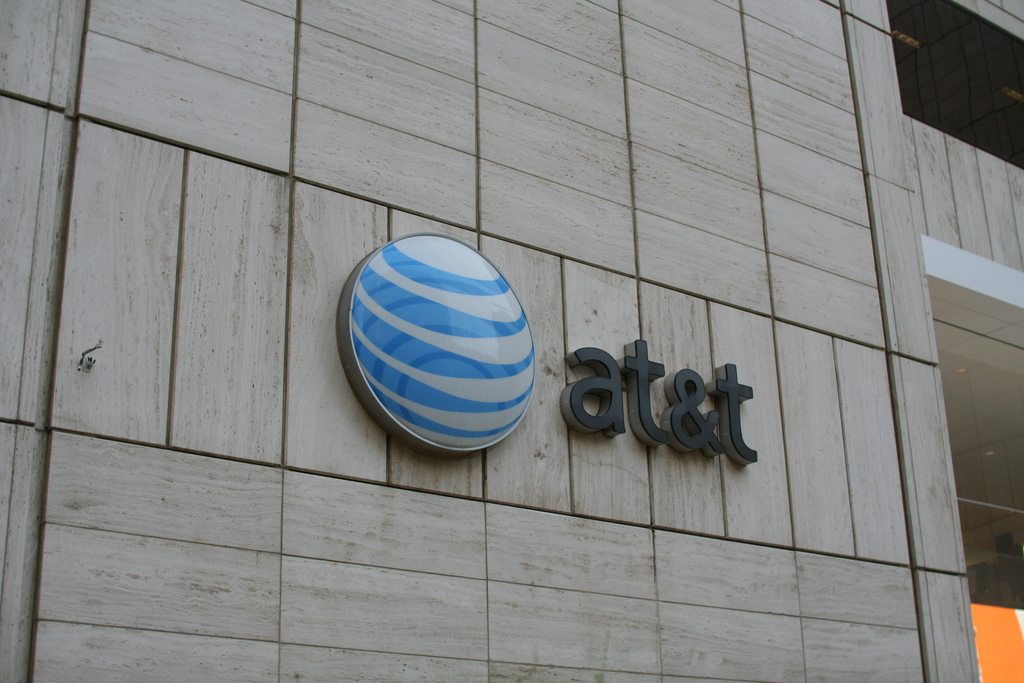 LatAm: AT&T looks to dominate mobile in Mexico