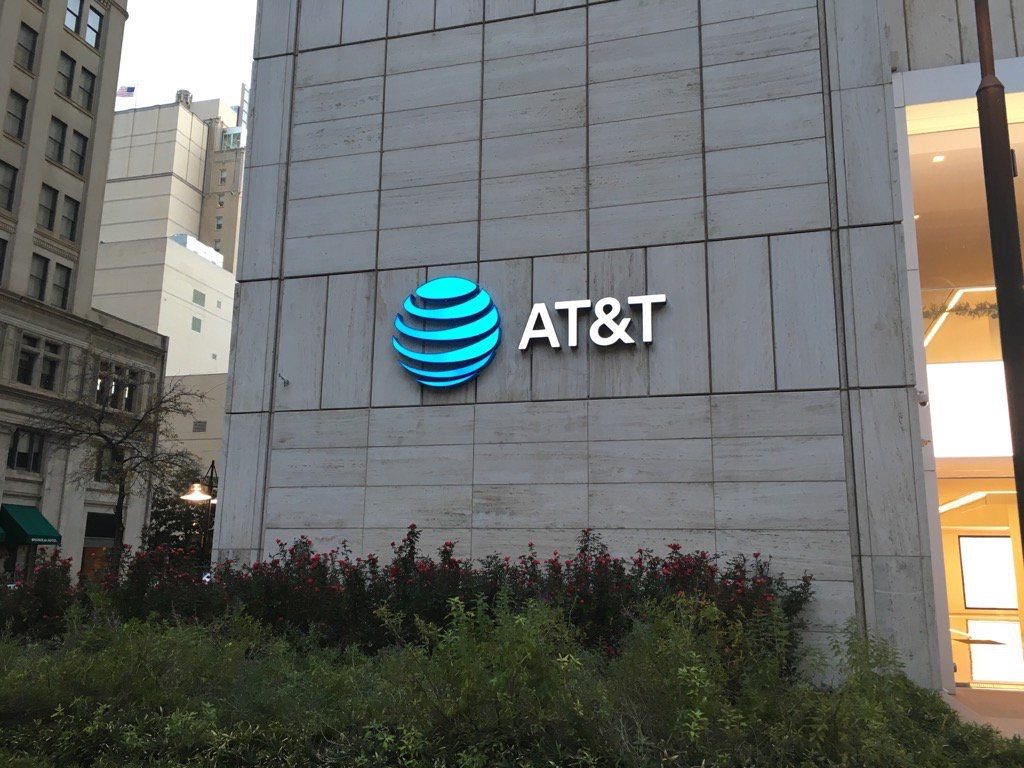 AT&T contributes code to Linux open source edge computing